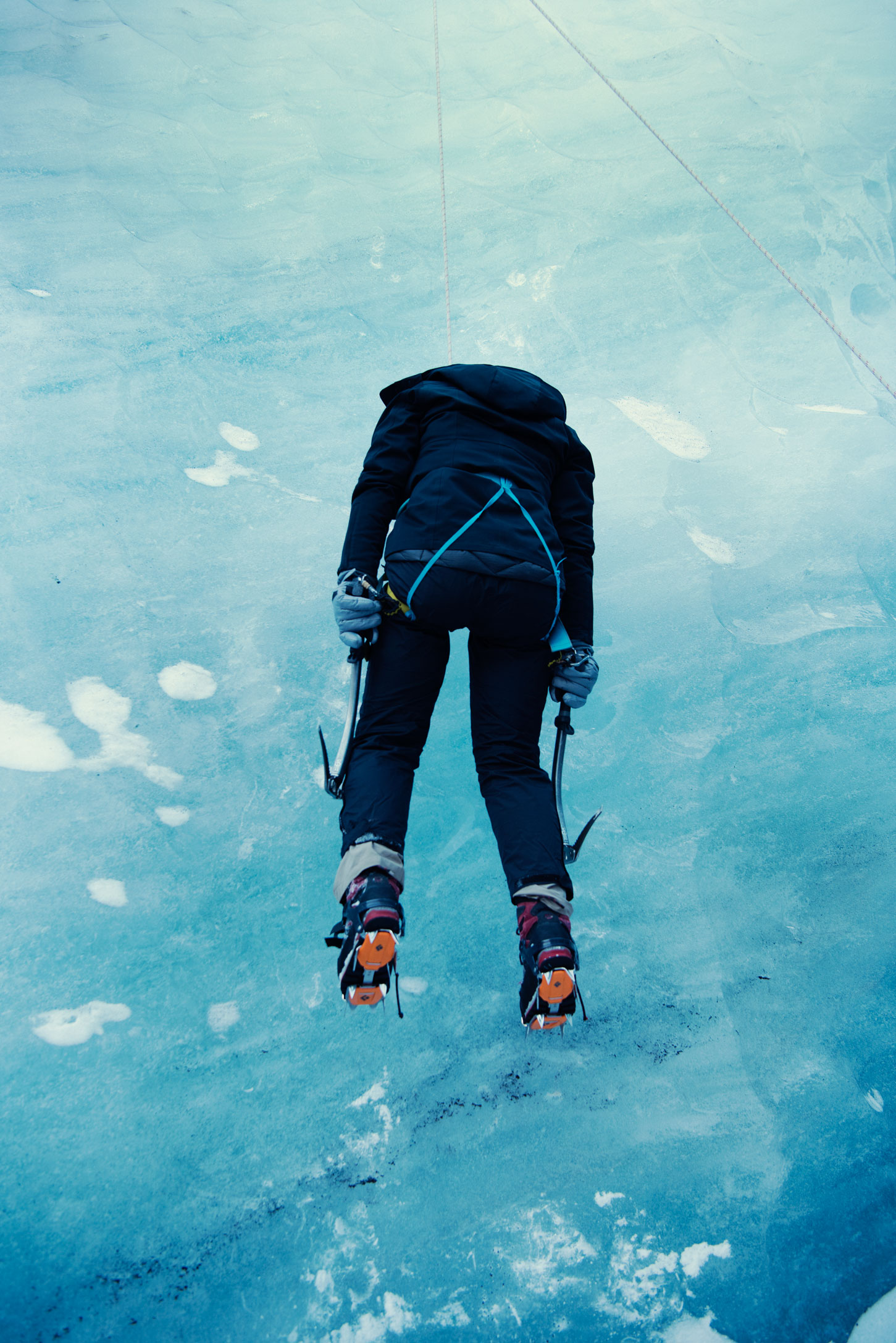 eleanor_ice_climbing_deadguy